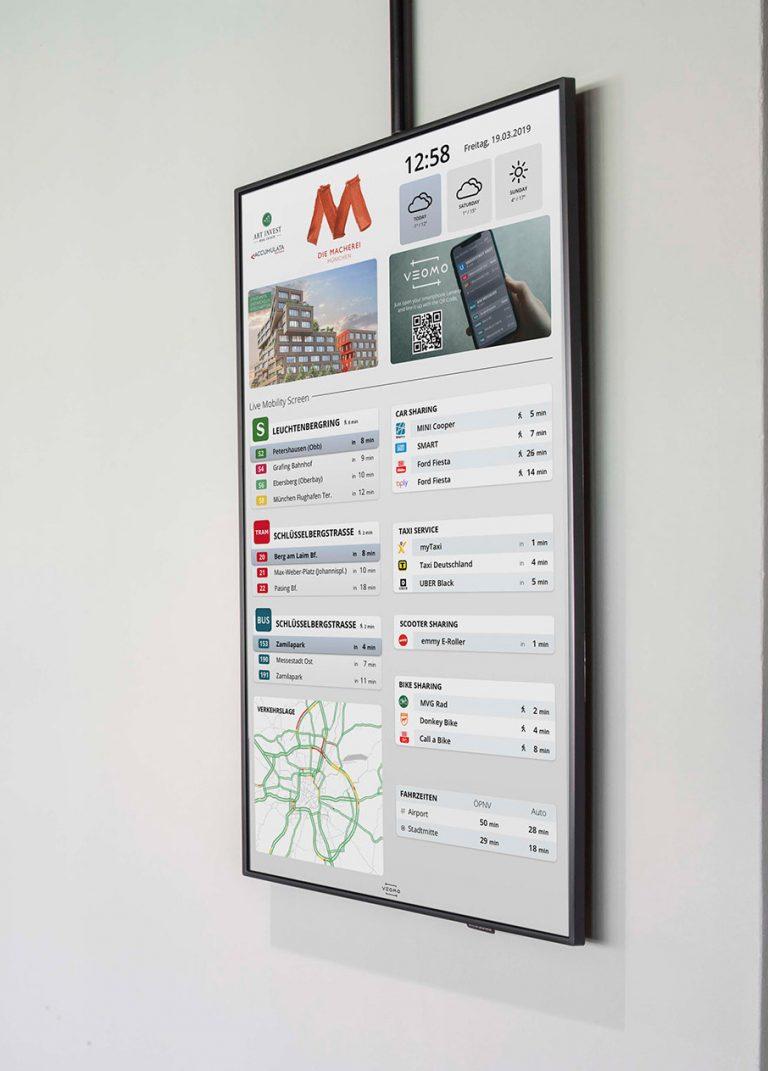 Vertikaler Bildschirm an Wand